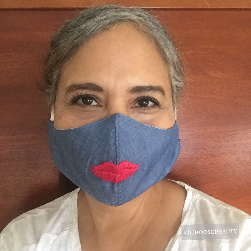 When you have to wear a mask but you miss wearing lipstick with it. 🤷🏽♀️ @madebylainc #ichoosebeauty Day 2429