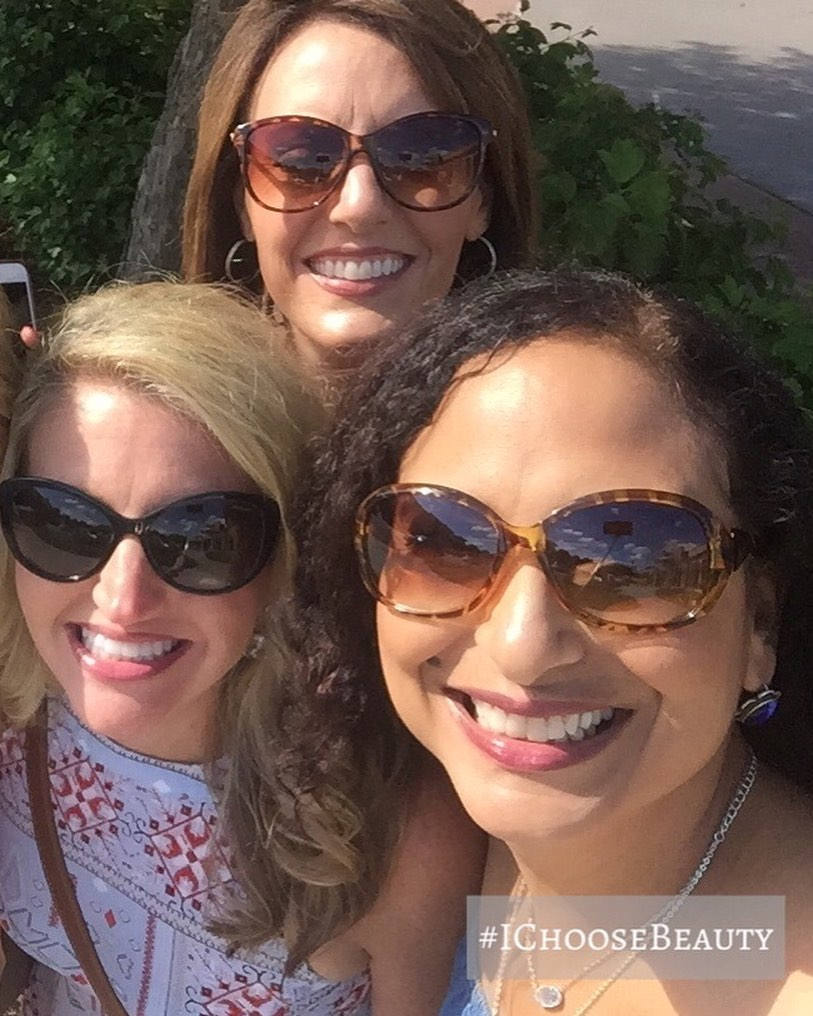 #tbt to when traveling to see your besties was so freaking easy! Miss you girls like crazy, and can't wait until we can be together again! ️️️ @tvnewzchick @newsdeb #ichoosebeauty Day 2465