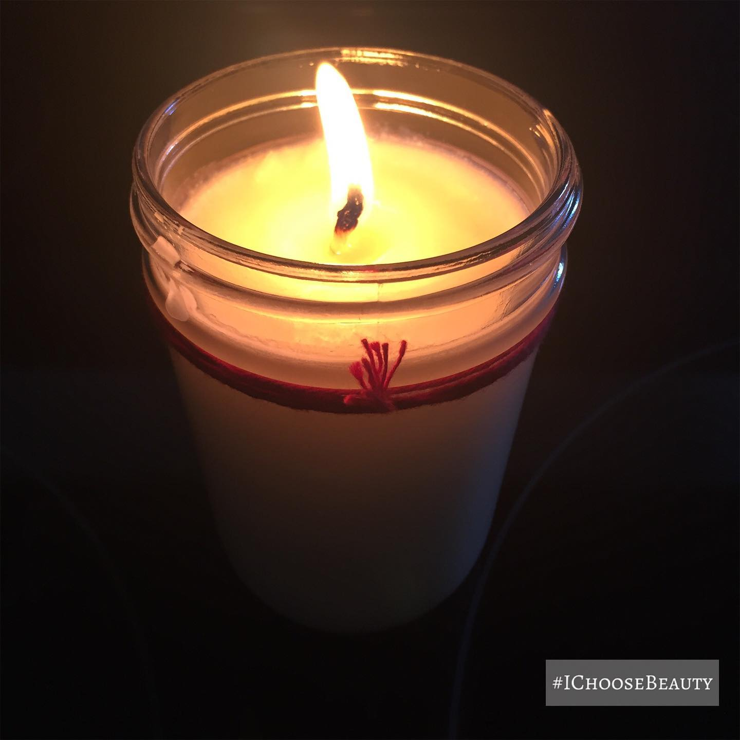 What a dark day for our country. I lit this candle for a little bit of comfort and light for us all. 🏽 #ichoosebeauty Day 2604