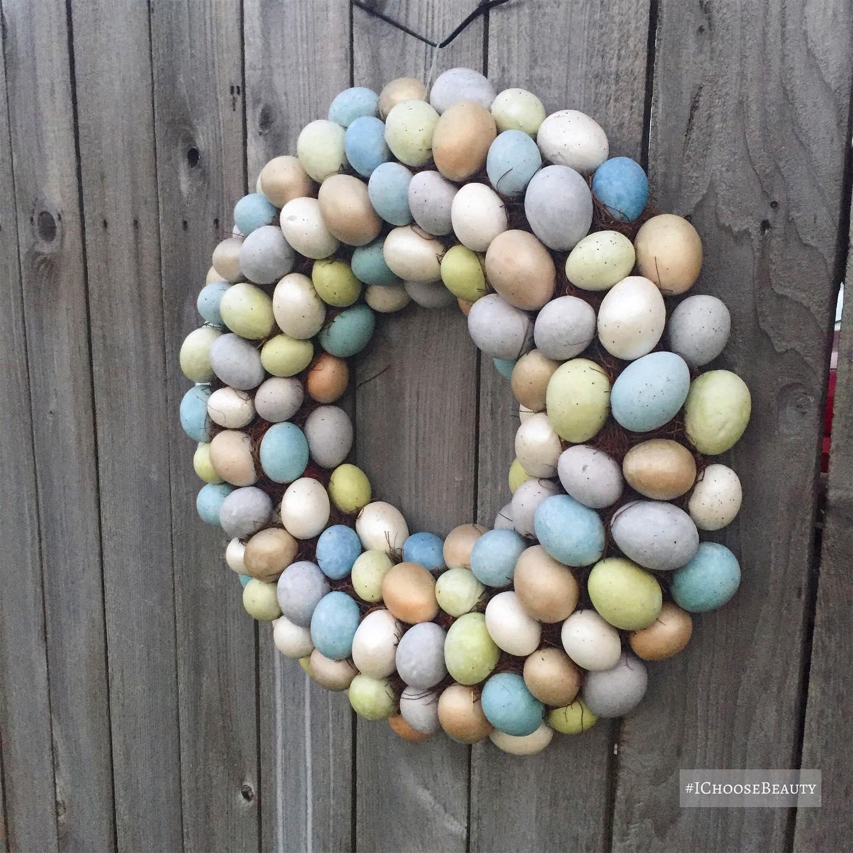 How cute is my neighbor's egg wreath?!?! Hope you had a wonderful Easter!  #ichoosebeauty Day 2693