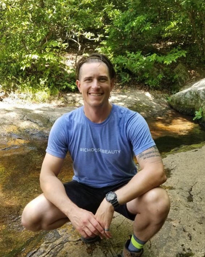 Look at @john_mollura out enjoying the beauty in nature in his #ichoosebeauty tee - the hashtag inspiring you to notice the beauty around you every day. John is wearing the Unisex tee, which is slightly more fitted than a classic t-shirt. This style also comes in purple. 5% of net proceeds goes to @mentalhealthamerica.  Thank you so much for your support, John!