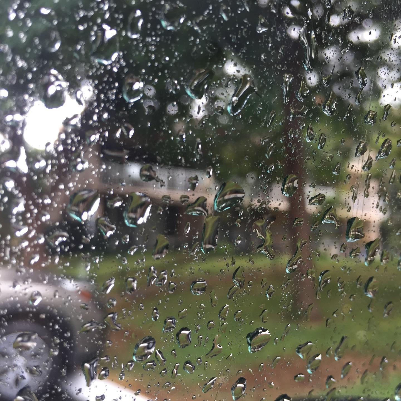 Raindrop art on my windshield.  #ichoosebeauty Day 2881